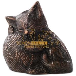 Katzen-Urne mit Wollknäuel